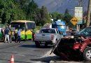 Persecución policial terminó con choque de furgón de Carabineros con vehículo particular en Olmué